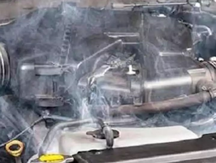 Mengatasi Mesin Mobil Panas atau Overheat
